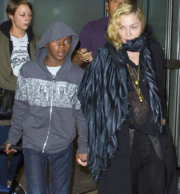 Мадонна появилась на публике без макияжа