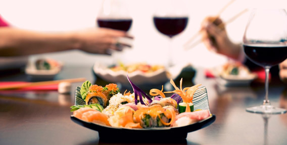 Праздник для двоих: романтический ужин 8 Марта