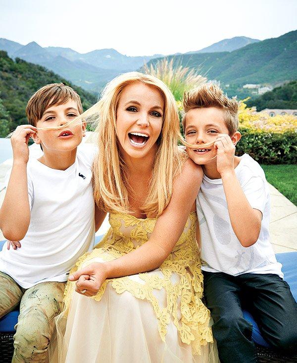 """Бритни Спирс написала трогательное послание сыновьям: """"Вы - мои шедевры!"""""""