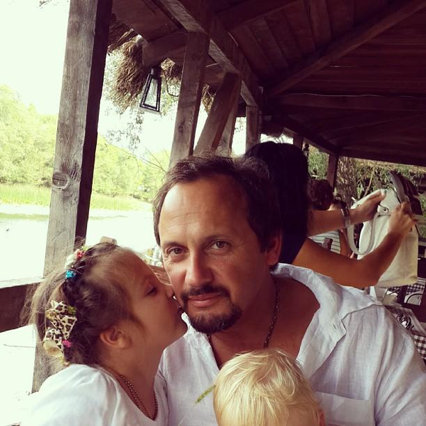 Стас Михайлов с женой и детьми фото
