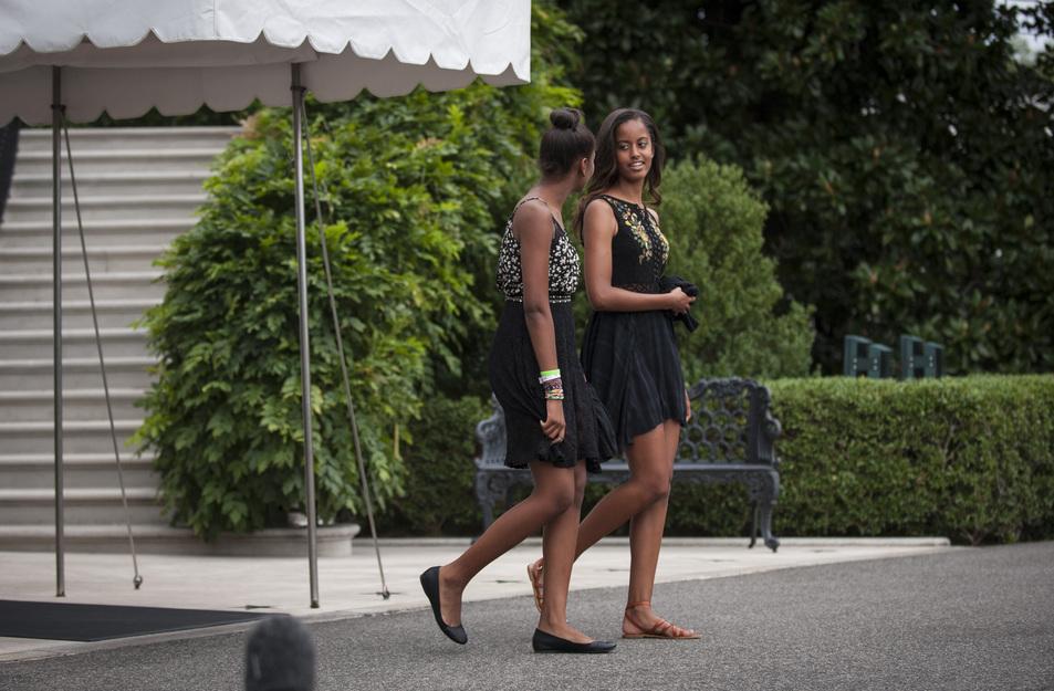 Малия Обама с сестрой