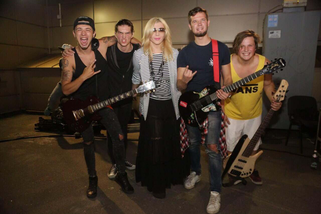 Ирина Билык зажгла на рок-концерте своего 17-летнего сына