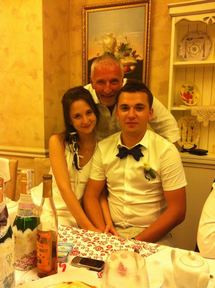 Анатолий Ерема с сыном и невесткой