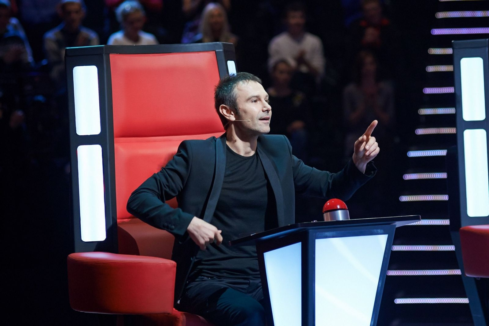 Святослав Вакарчук стал четвертым тренером шоу Голос країни-6