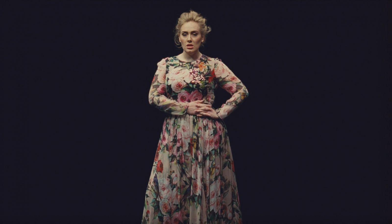 """Премьера: Адель презентовала стильный клип на песню """"Send My Love"""""""