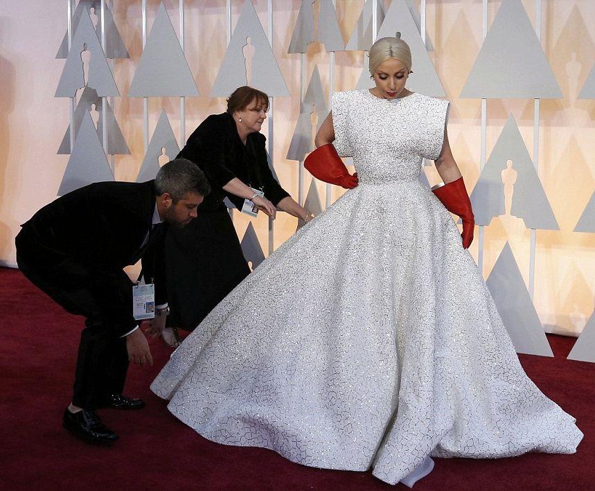 Наряд Леди Гаги на нынешнем Оскаре назвали самым нелепым