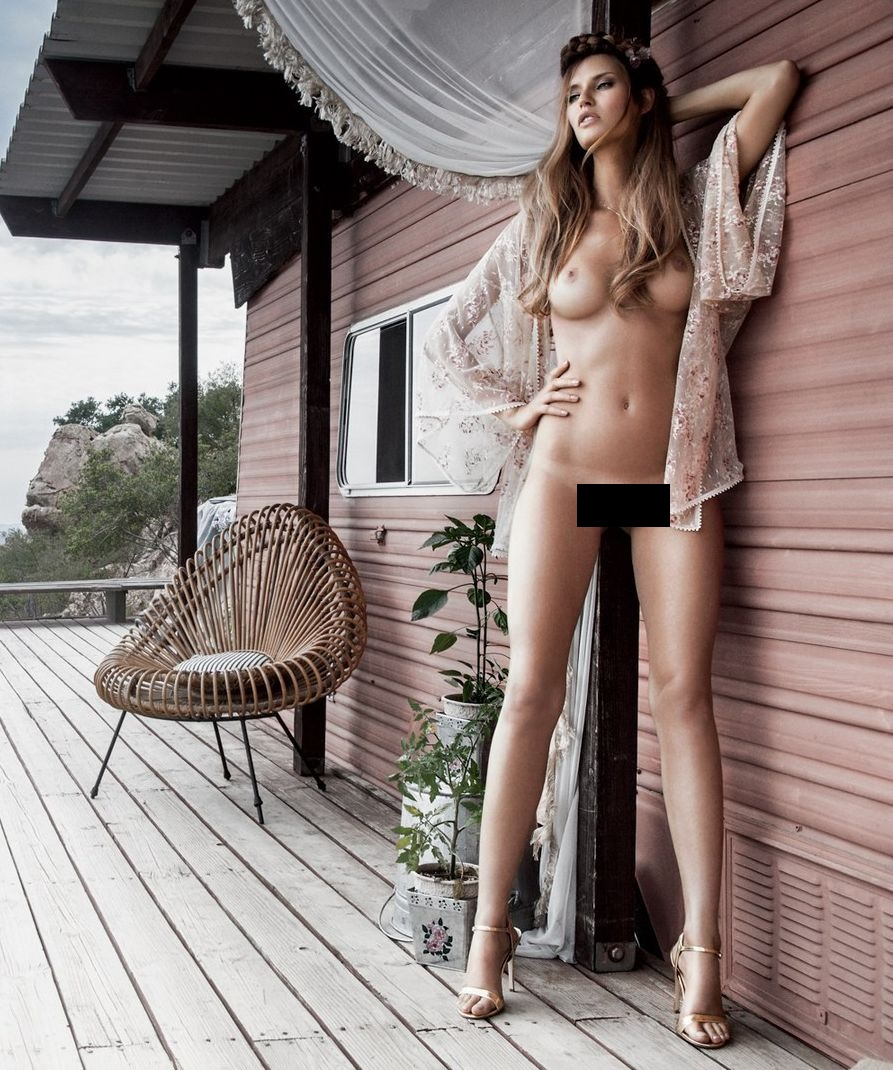 Бьянка Балти обнажилась для журнала Playboy