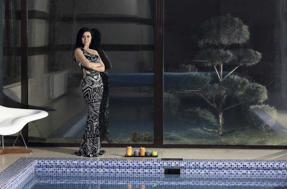Дом мечты: Анастасия Заворотнюк показала, где живет со своей семьей