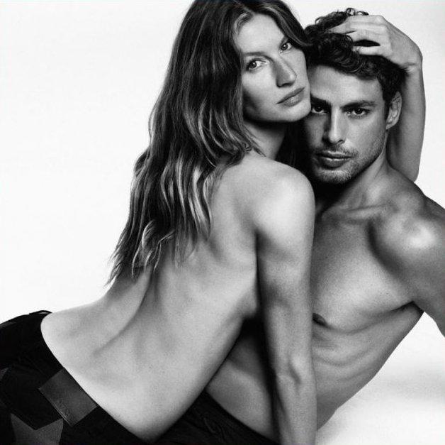 Жизель Бундхен снялась топлес для новой рекламной кампании Givenchy
