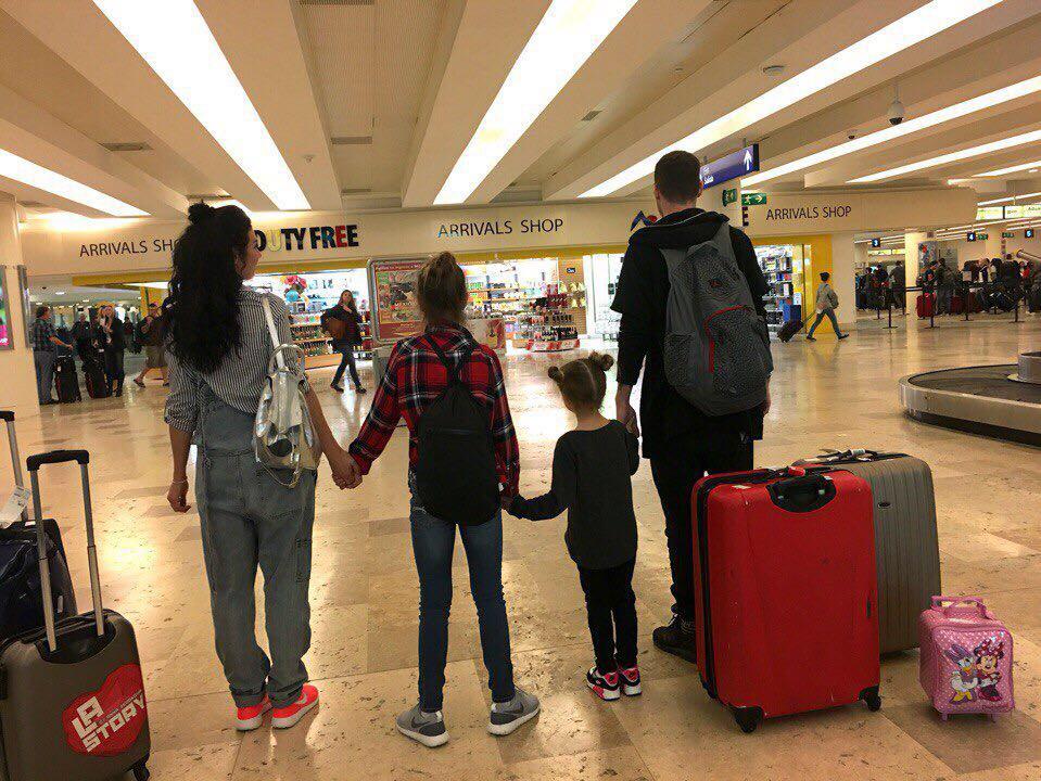 Анна Седокова со своим парнем и дочками сняли семейное реалити-шоу