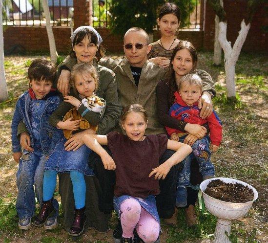 Иван Охлобыстин с женой и детьми фото