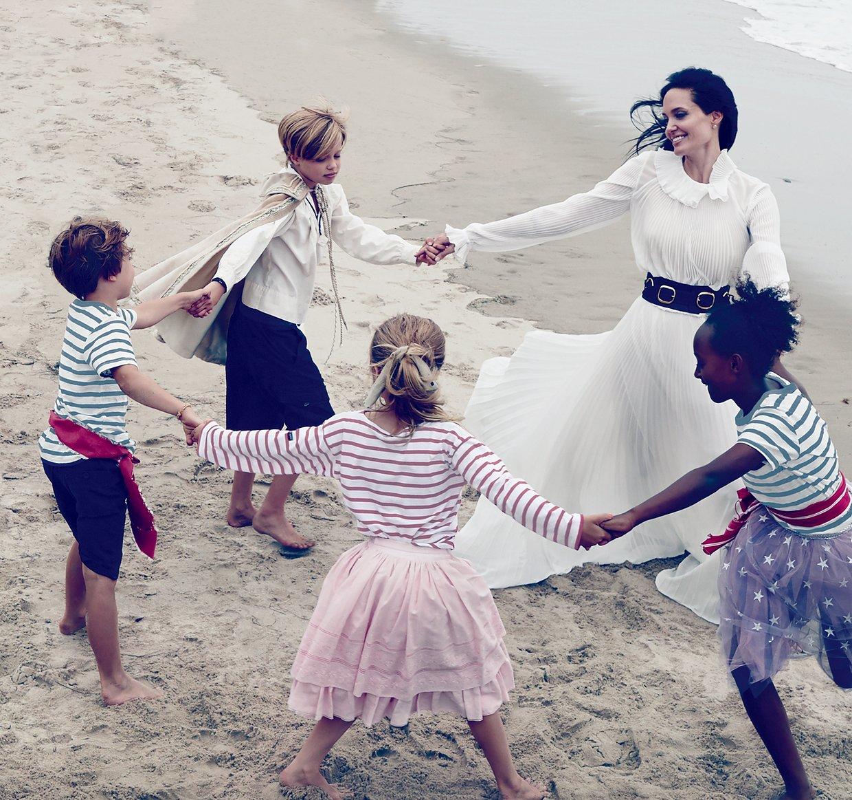 Откровенно: Анджелина Джоли призналась, что у них с Брэдом Питтом есть проблемы в отношениях