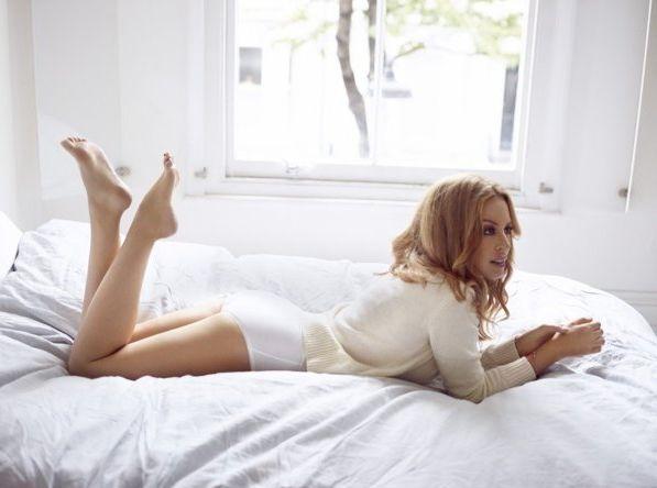Кайли Миноуг демонстрирует сексуальность