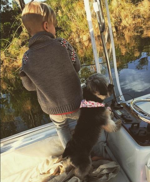 Семейное время: Джастин Бибер наслаждается выходными с младшим братом