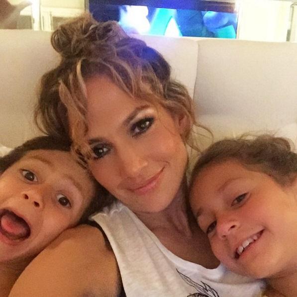 Трогательно: Дженнифер Лопес со слезами на глазах рассказала о детях