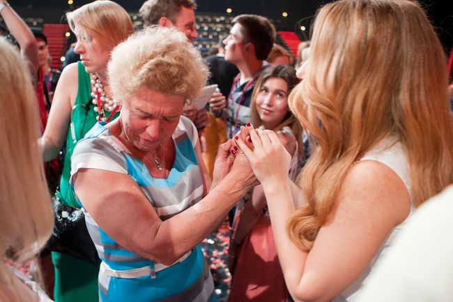 Победитель шоу «Голос країни-5» Антон Копытин с мамой