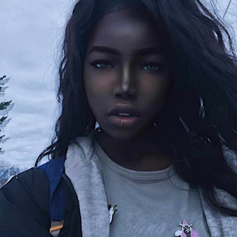 Новая Наоми Кэмпбелл: сеть взорвали фото 16-летней красотки Лолиты