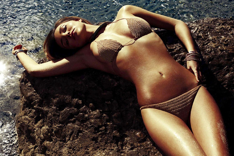 Миранда Керр обнажилась в сексуальной фотосессии