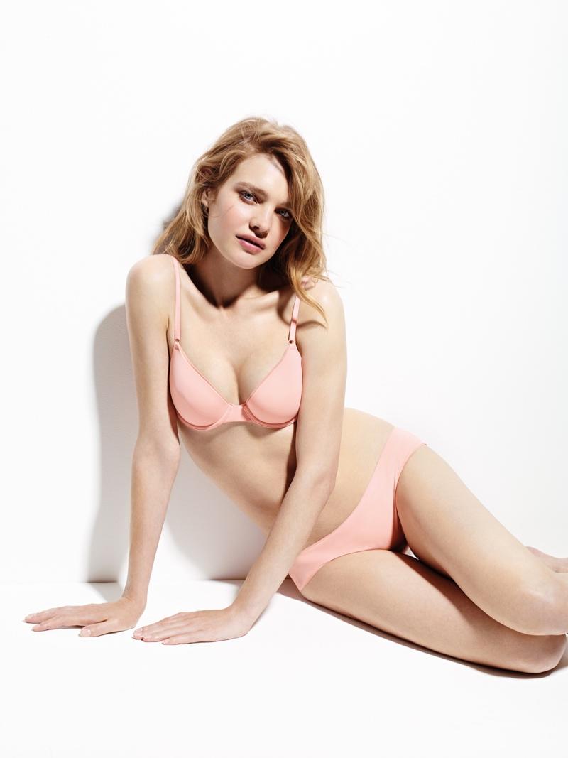 Наталья Водянова похвасталась стройной фигурой после четвертых родов