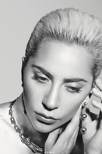 Просто и роскошно: Леди Гага снялась в рекламной кампании ювелирного бренда