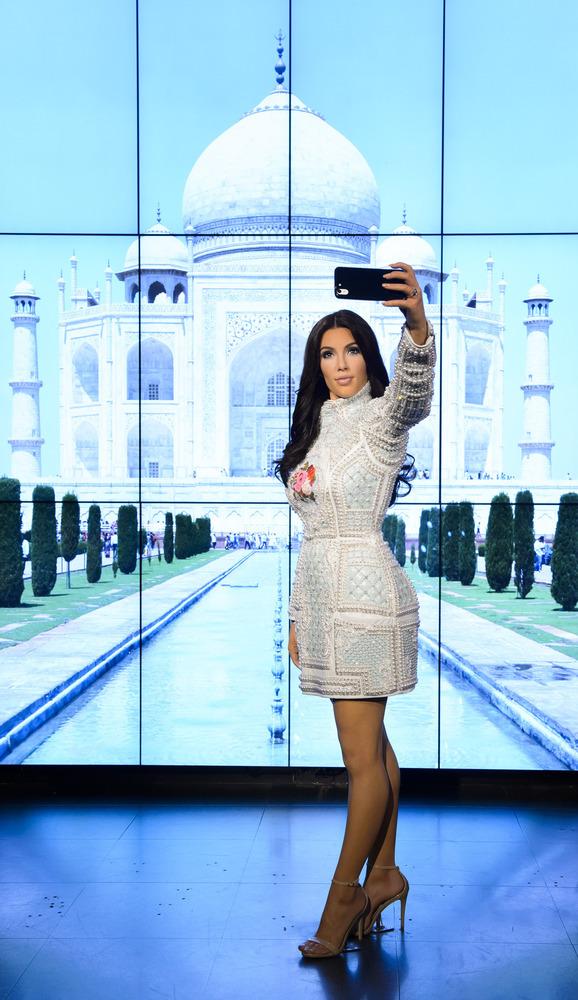 Королева селфи: в музее мадам Тюссо установили восковую фигуру Ким Кардашьян