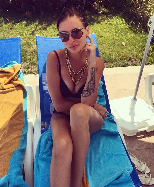 Катя Полехина в купальнике