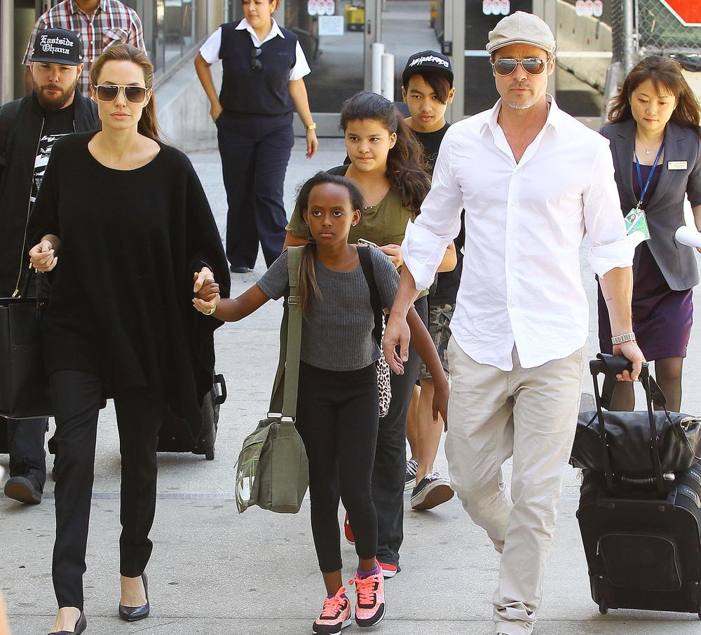 Анджелина Джоли и Брэд Питт переезжают