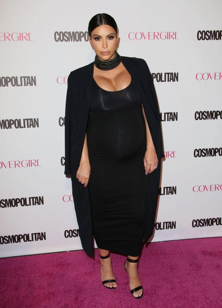 Сестры Кардашьян появились в сексуальных нарядах на 50-летии Cosmopolitan