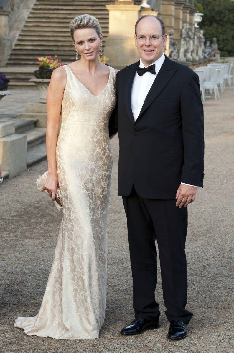 князь Монако Альберт и его 36-летняя жена Шарлин