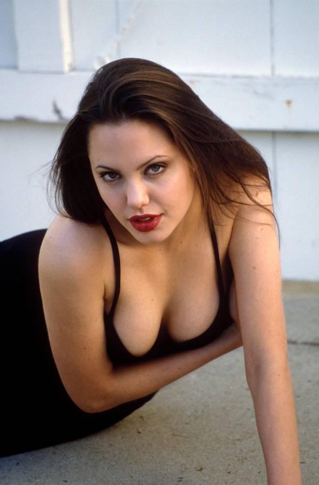 Анджелине Джоли 40 лет: самые яркие образы актрисы в жизни и на экране
