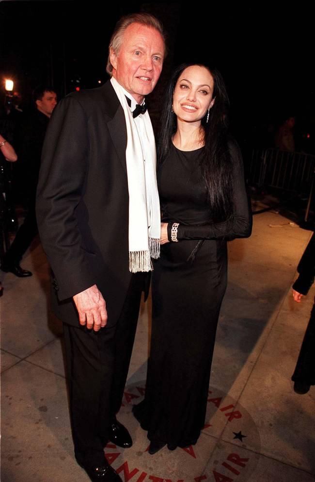 Анджелине Джоли 40 лет: неизвестные и забытые образы актрисы