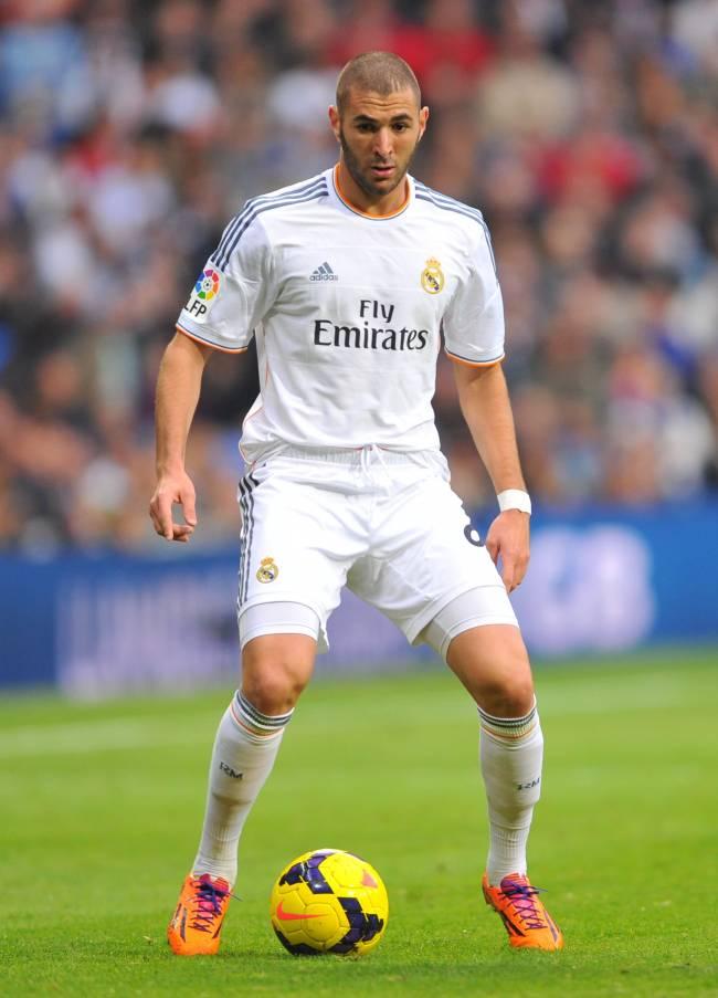 "У Рианны роман с нападающим ""Реал Мадрид"": правда или слухи?"