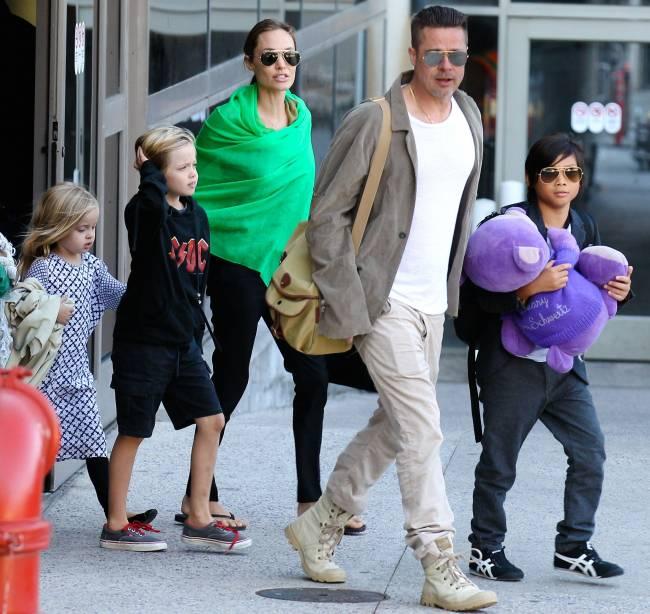 Неожиданно: Анджелина Джоли и Брэд Питт путешествуют вместе