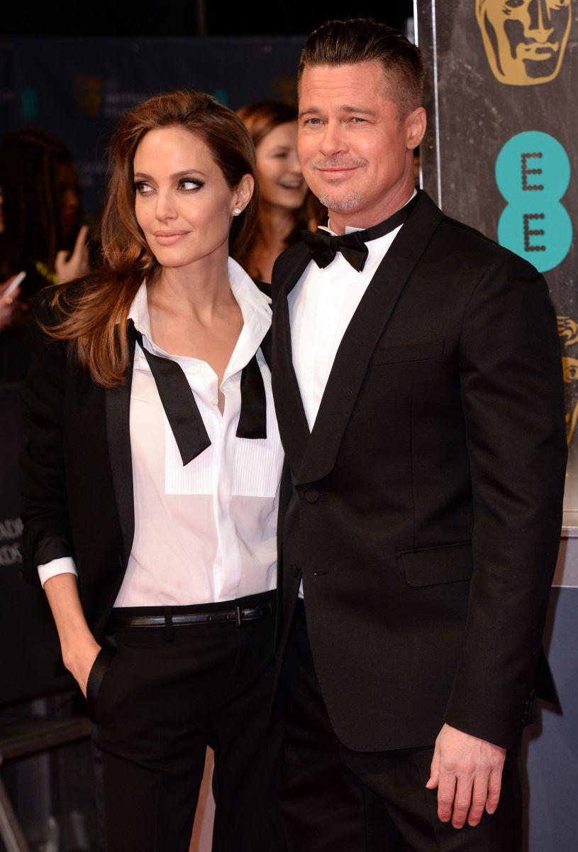 Официально: адвокат Анджелины Джоли подтвердил информацию о ее разводе с Брэдом Питтом