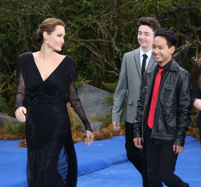 Анджелина Джоли снимет совместный фильм с сыном Мэддоксом