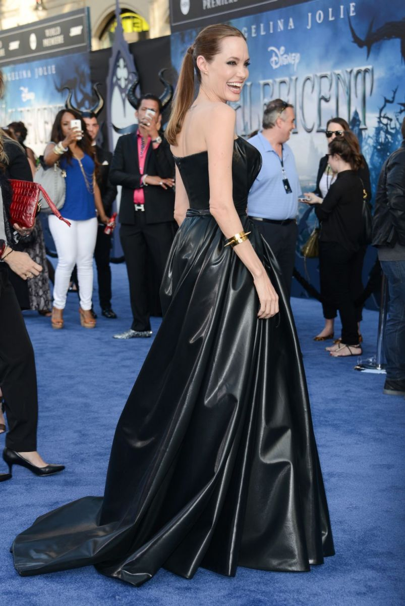 """Анджелина Джоли и Брэд Питт на премьере фильма """"Малефисента"""""""