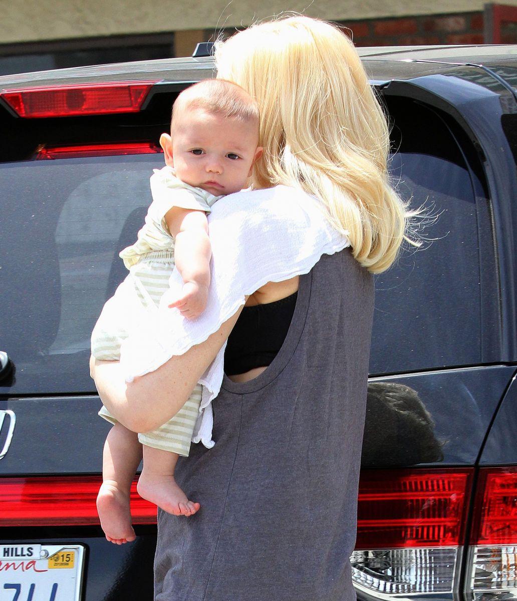 Гвен Стефани показала очаровательного сынишку