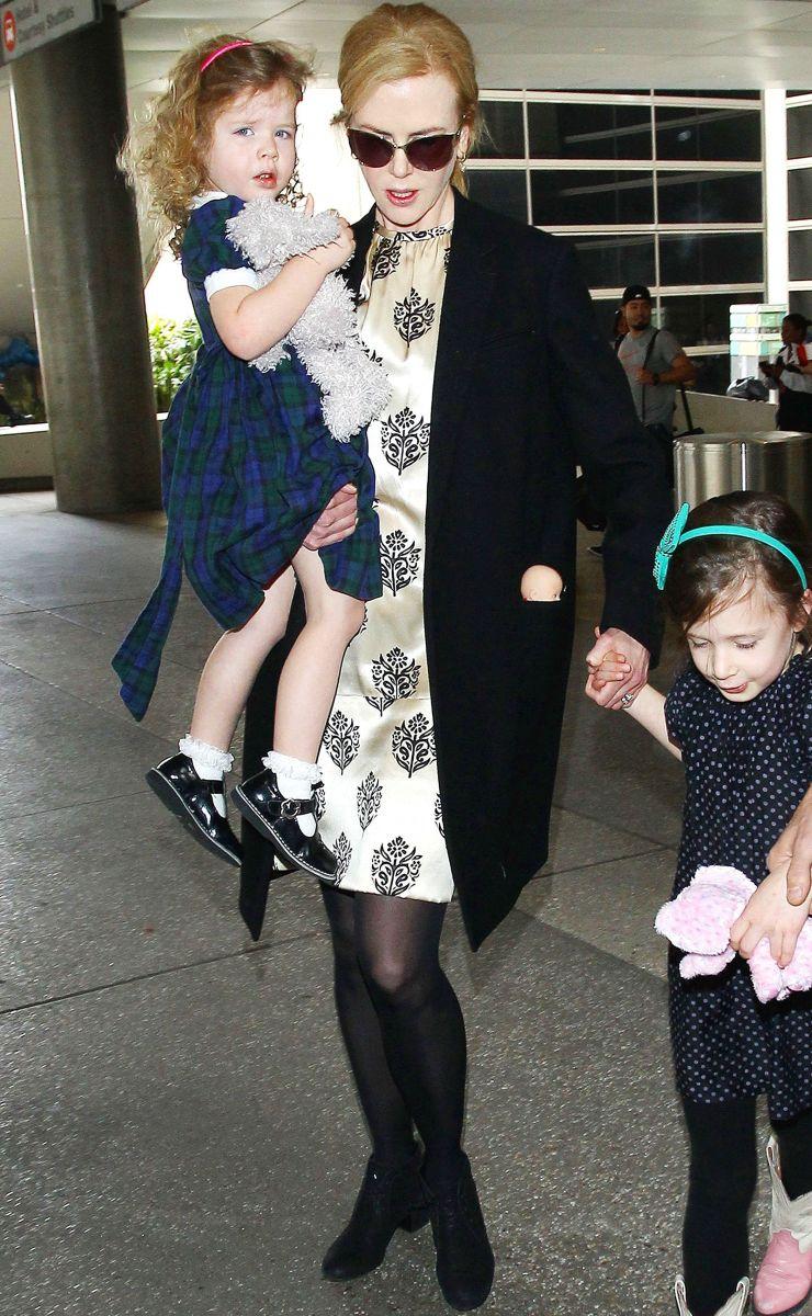 Николь Кидман появилась на публике с мужем и детьми