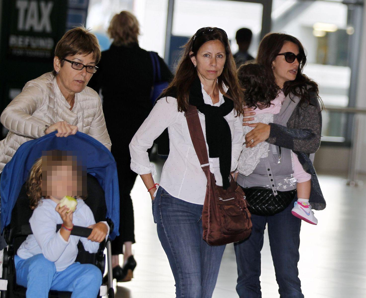 Пенелопа Крус появилась на публике со своими детьми