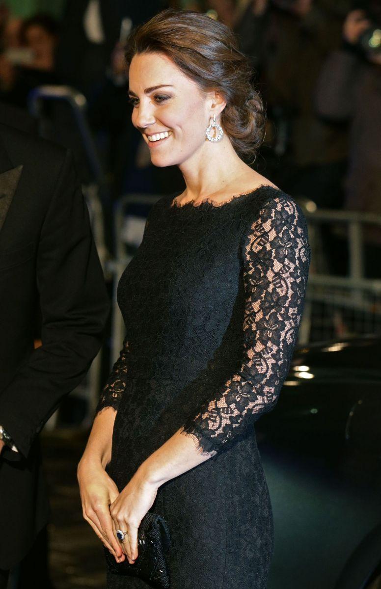 герцогиня Кэтрин блистает в изысканном наряде