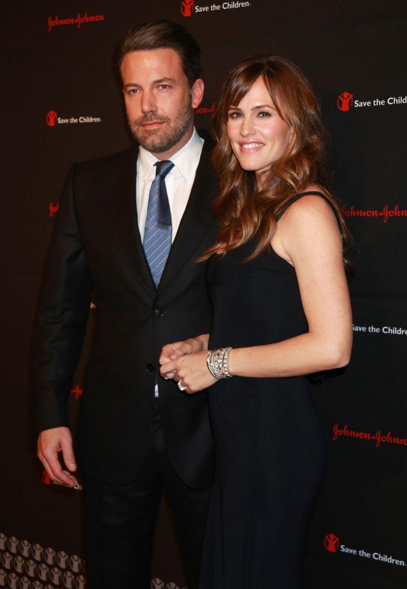 Бен Аффлек вышел в свет со своей красавицей-женой