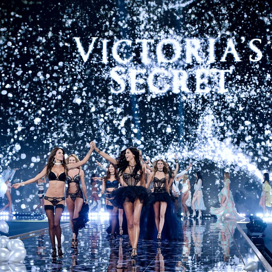 Фееричное фэшн-шоу Victorias Secret