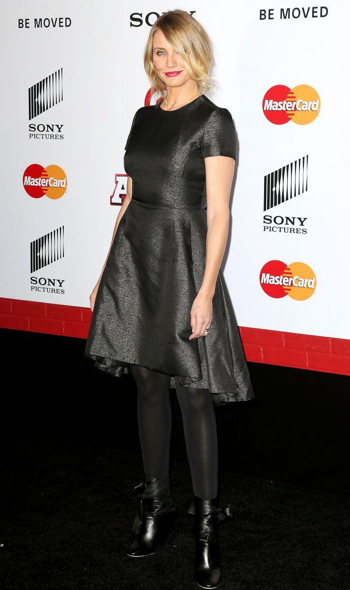 Камерон Диаз вышла в свет в трендовом платье от Dior