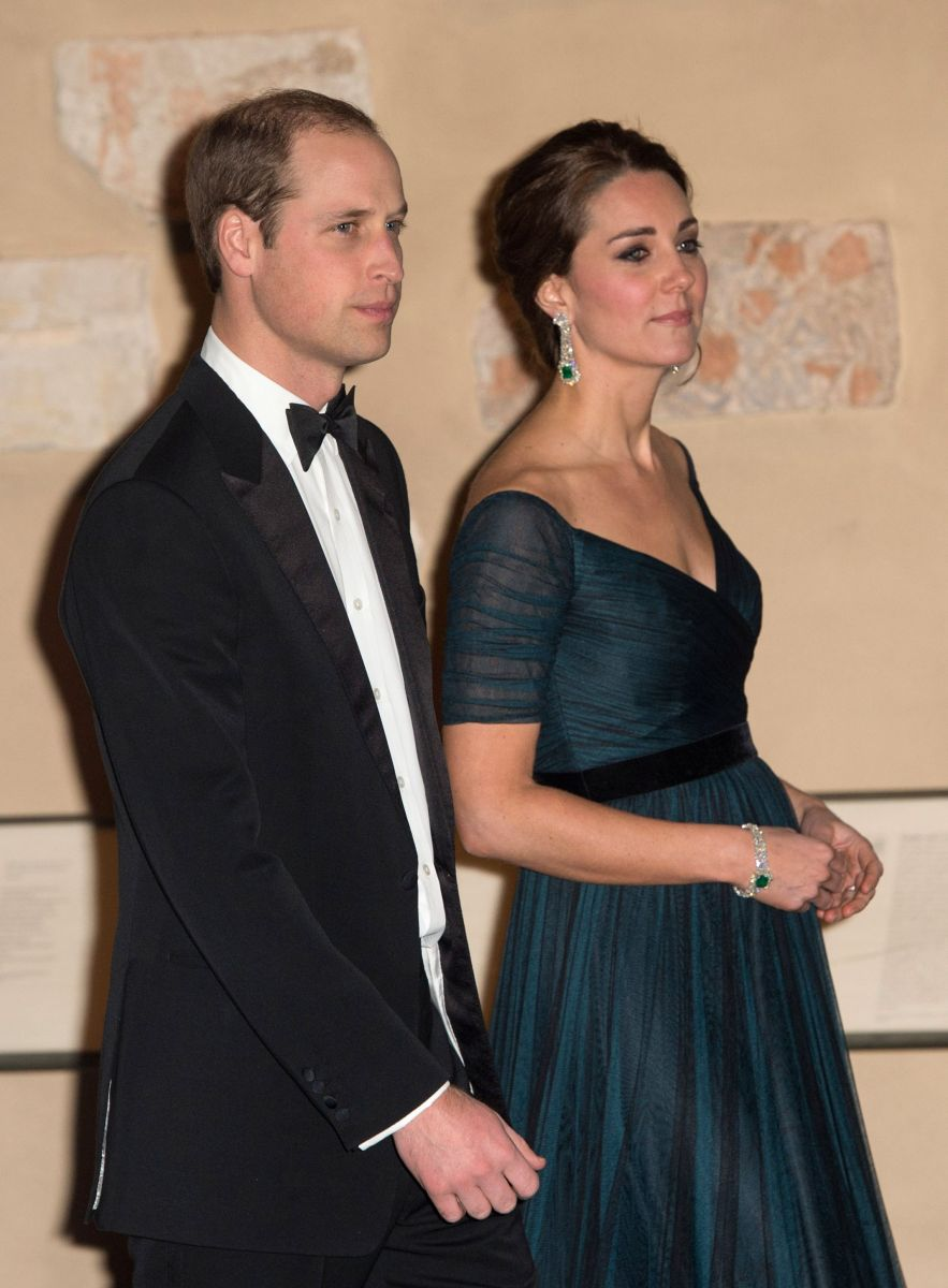 Кейт Миддлтон в третий раз вышла в свет в своем любимом вечернем платье
