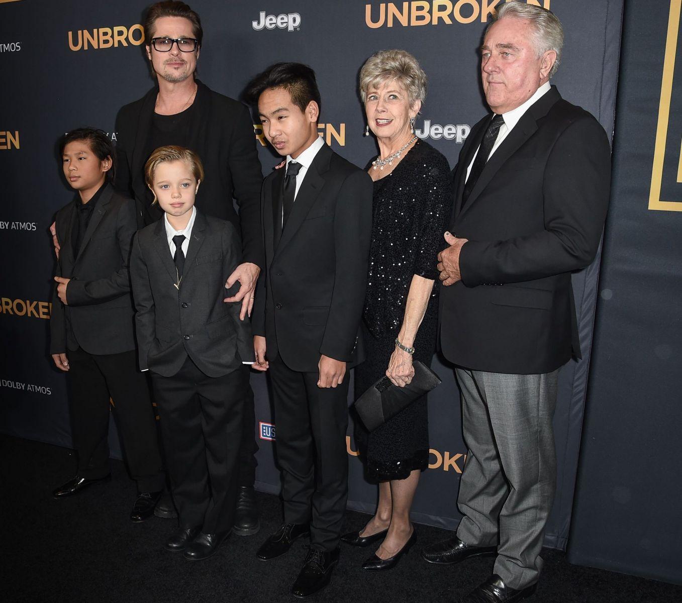 Брэд Питт появился с детьми на премьере