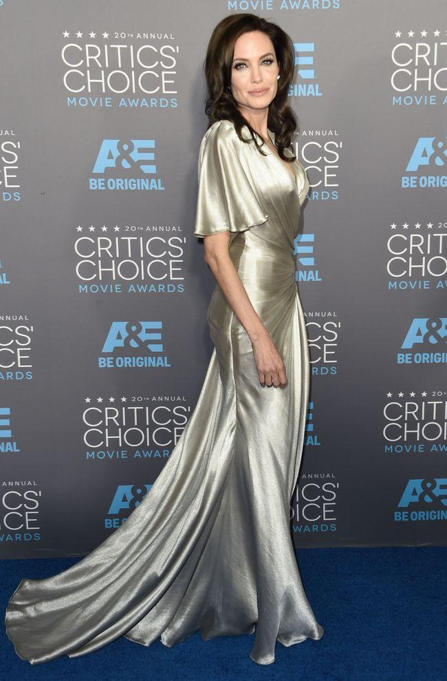 Анджелина Джоли и Дженнифер Энистон: долгожданная встреча жен Брэда Питта
