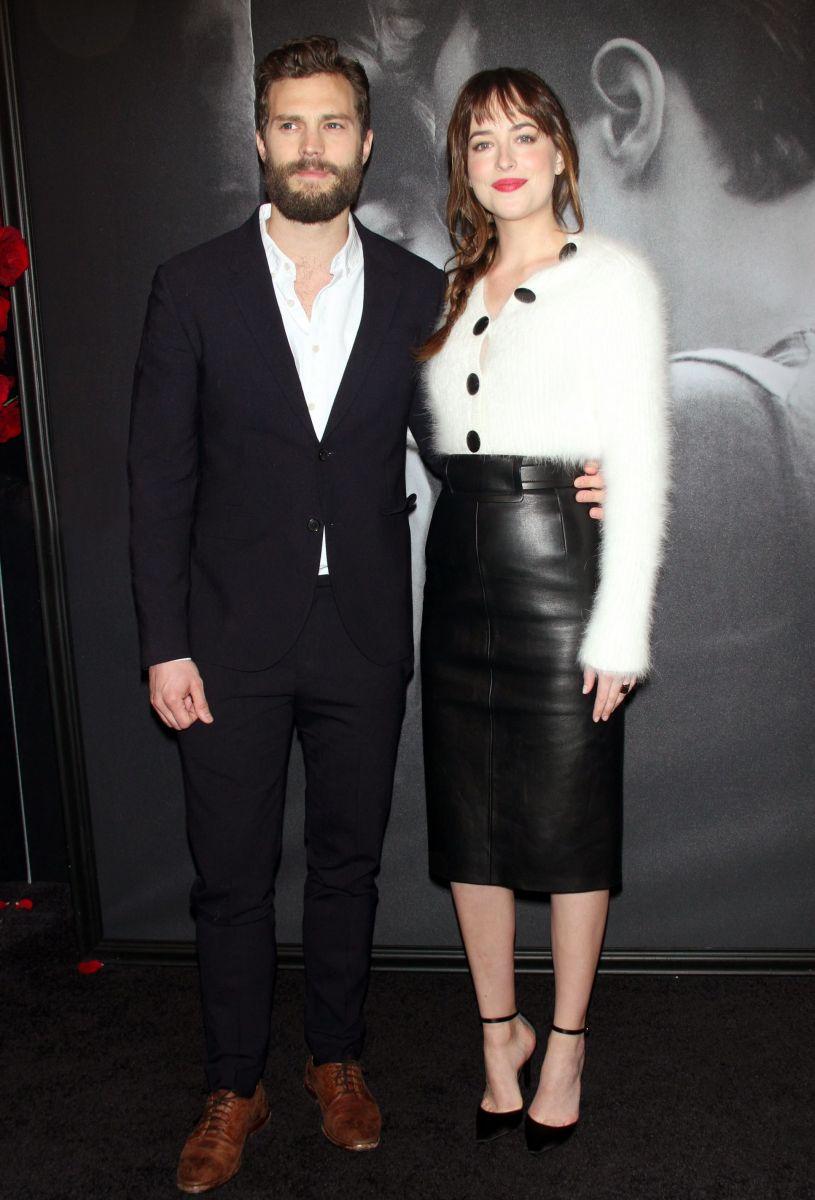 """Премьера: Дакота Джонсон и Джейми Дорнан впервые представили публике фильм """"50 оттенков серого"""""""