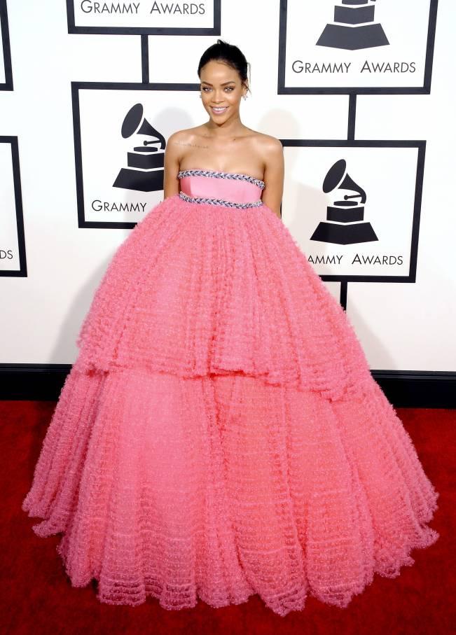 Рианна в платье Giambattista Valli Haute Couture