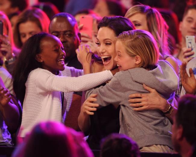 Анджелина Джоли впервые появилась на публике после новости о разводе