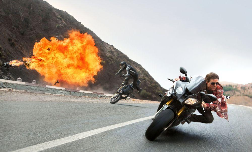 Том Круз на съемках фильма Миссия невыполнима 5